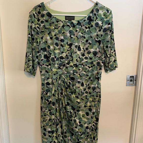 connected apparel Dresses & Skirts - Green patterned dress